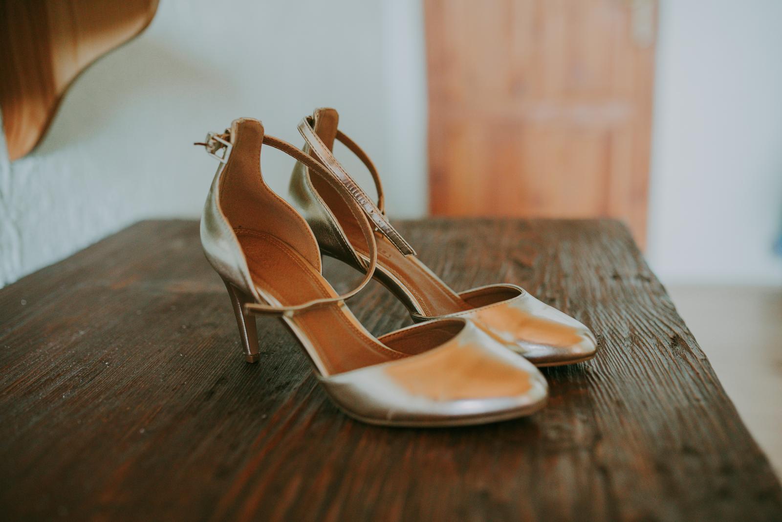 13868d78658b Zlaté topánky
