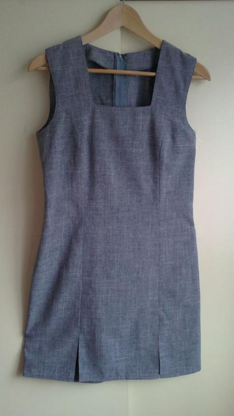 Pouzdrové šaty, 40