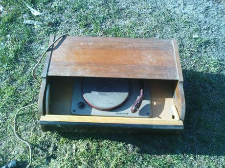 gramofón  rok výroby1950,