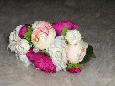 Kvetinová čelenka,