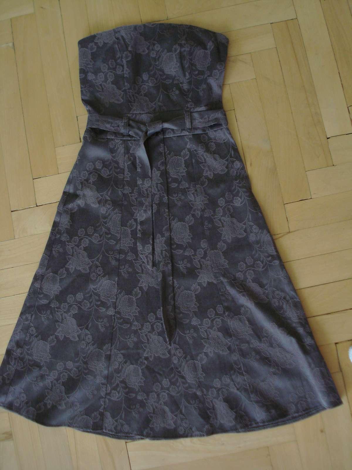 b754b4d1386 Fialovo-vínové šaty orsay