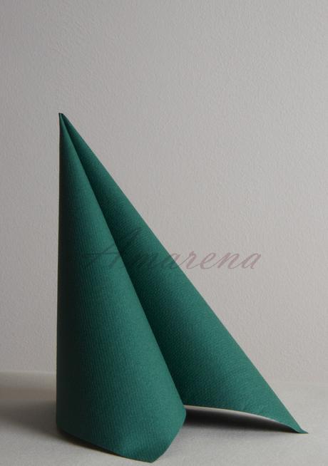 jednofarebné servítky z netkanej textílie,