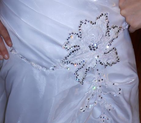 svatební či plesové šaty vel.38-39, 39