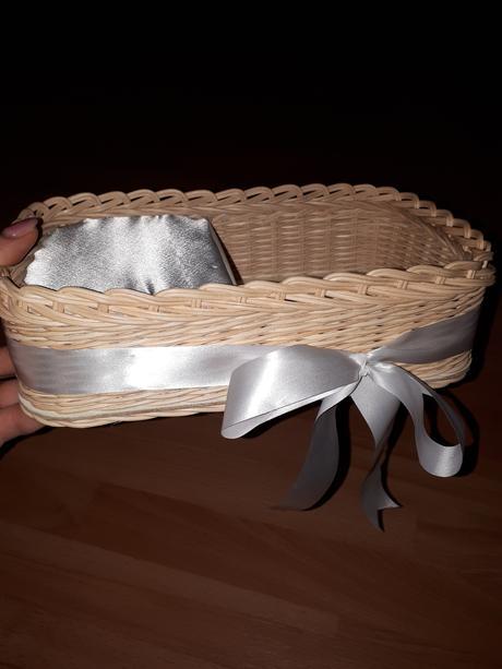 košík na svadobné pierka,