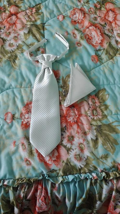 Svadobná vesta pre ženícha, 50