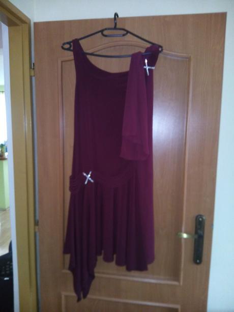 Bordové krátke spoločenské šaty, 38
