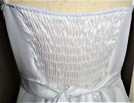 bílé šaty vel., 48