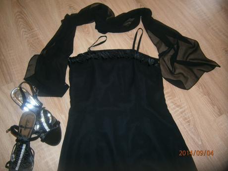 dlouhé šaty se šálkou , 38