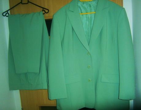 kalhotový kostýmek vel., 50