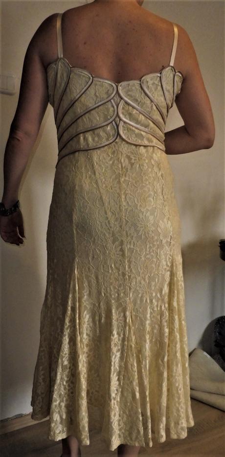 krajkové šaty vel., 44