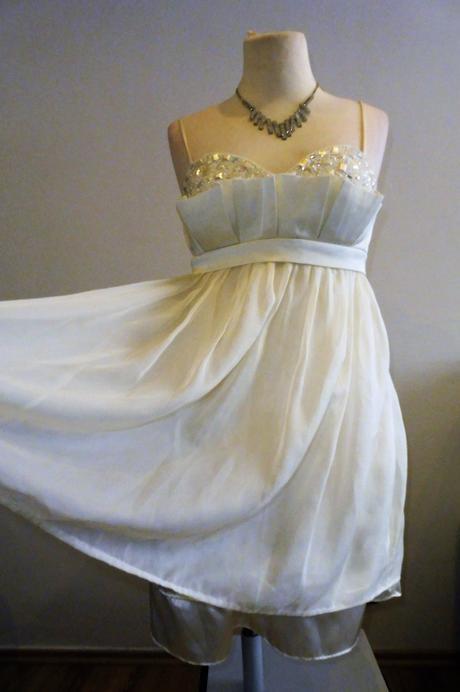 krátké šaty vel.40, 42