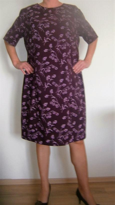 pouzdrové šaty vel., 54
