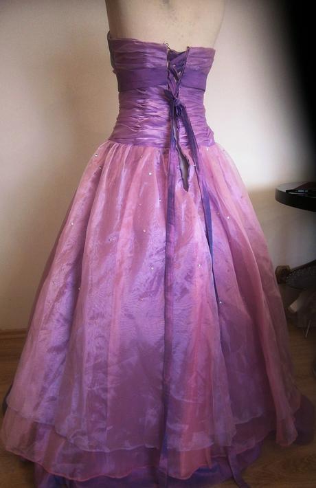 princeznovské šaty ,cena s poštou vel.38, 40
