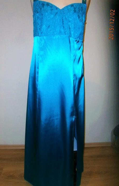 saténové šaty se šálem vel, 44