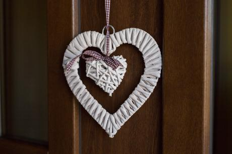 Svatební srdce na dveře bílé,