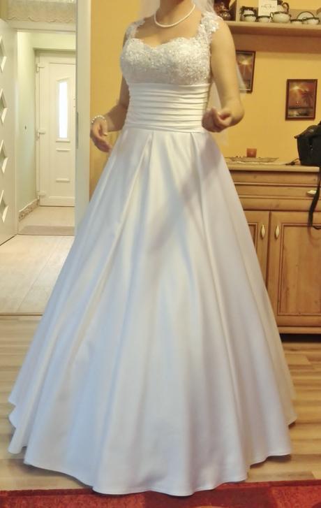 Snehobiele svadobné šaty , 39