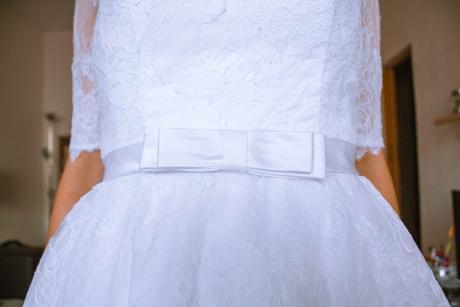 Čipkované svadobné šaty s vlečkou, 38