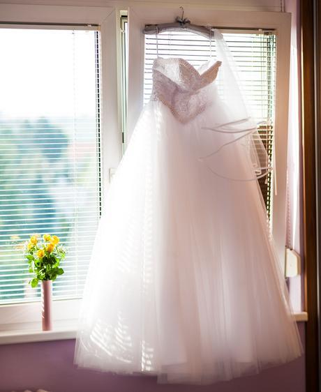 Luxusné svadobné šaty + 3-kruhová spodnica zdarma , 38