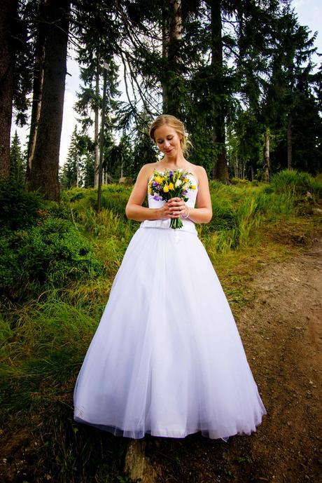 Šaty Madora s krajkovým korzetem a tylovou sukní, 38