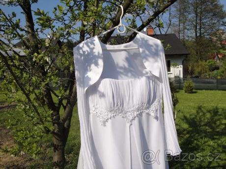 Svatební šaty bílé a fascinátor, 38
