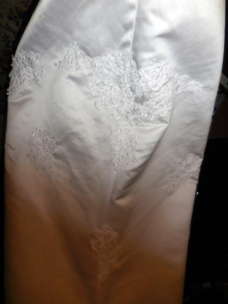 Svatební šaty má vel. 38, 38