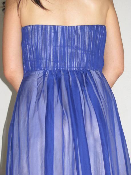 Šaty Ever Pretty královská modř se štrasem, 38