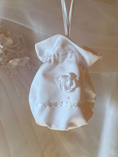 Korzetové svatební šaty - 3500 Kč, 40