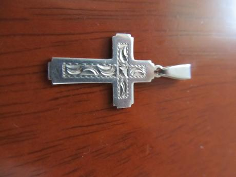 krížik 3cm,