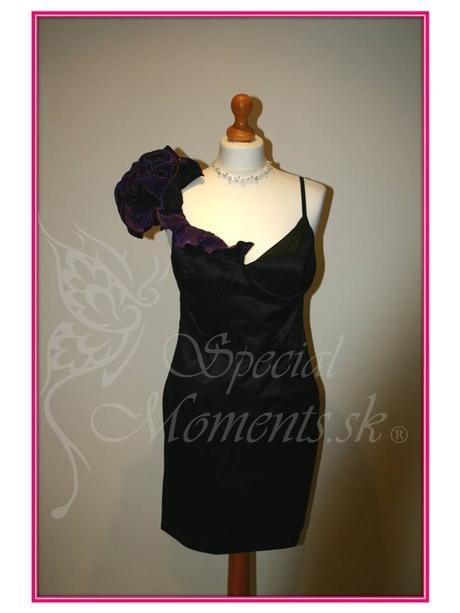 Čierne šaty s fialovou ružou - posledné 2 kusy, 38