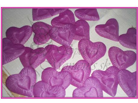 Srdiečkové stolové lupienky,