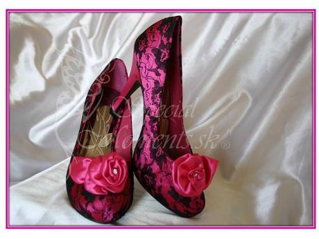 Tmavo ružové čipkované topánky, 36