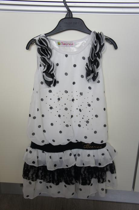 Letné šaty s čipkou, 116