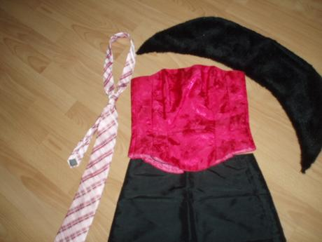 korzet+sukňa+kožušinka+kravata, 38