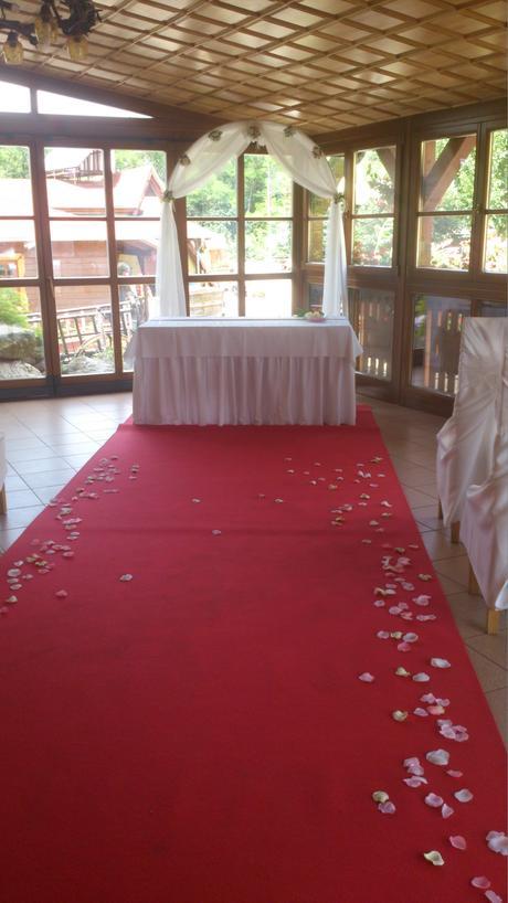 Červený koberec ,