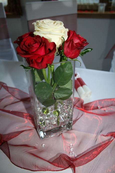 Hranatá sklenená váza,