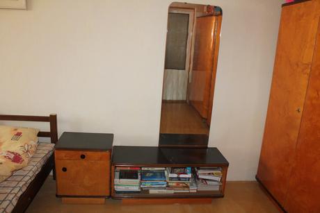 Retro ložnicový nábytek z roku 1960,
