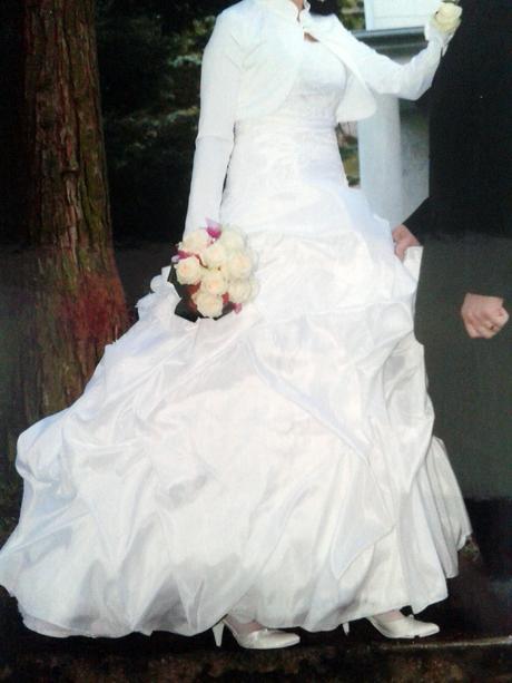 nadherne a pohodlne svadobne saty, 36