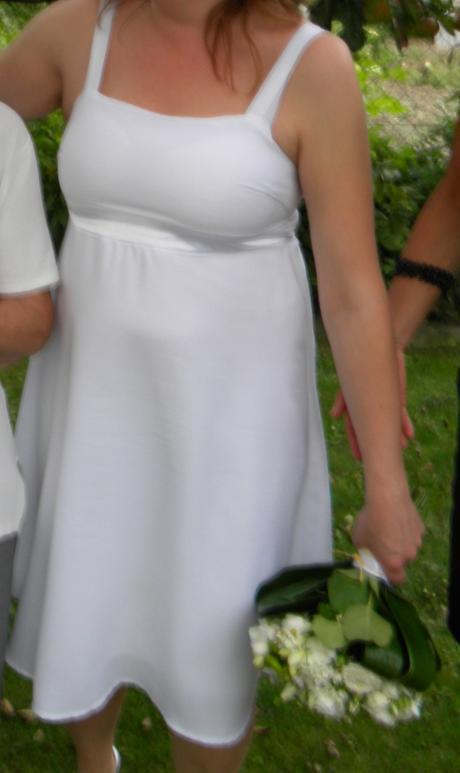 Jednoduche tehotenske svadobne saty, 40