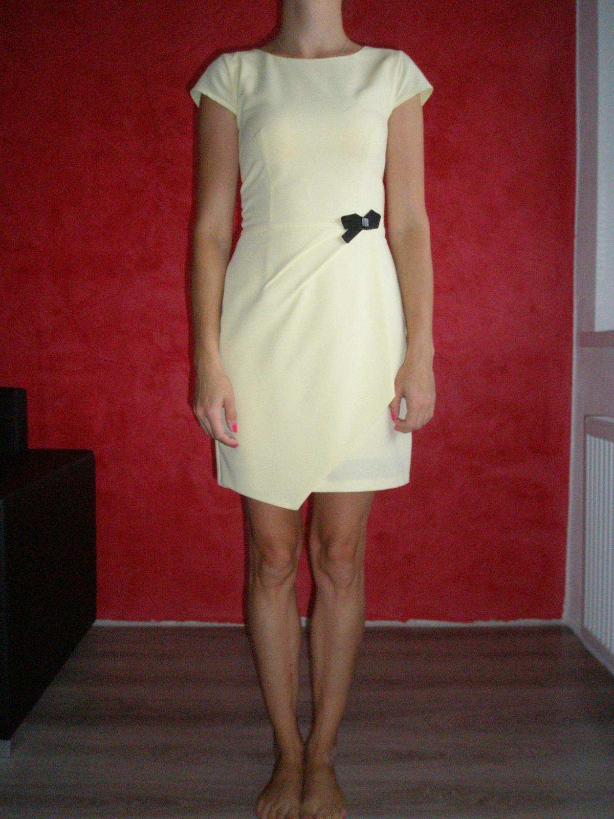 485cc7c4ee9f Bledožlté šaty