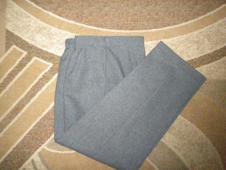 Šedé oblekové nohavice, 38