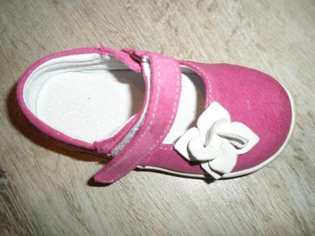 Slovobuv topánočky , 23