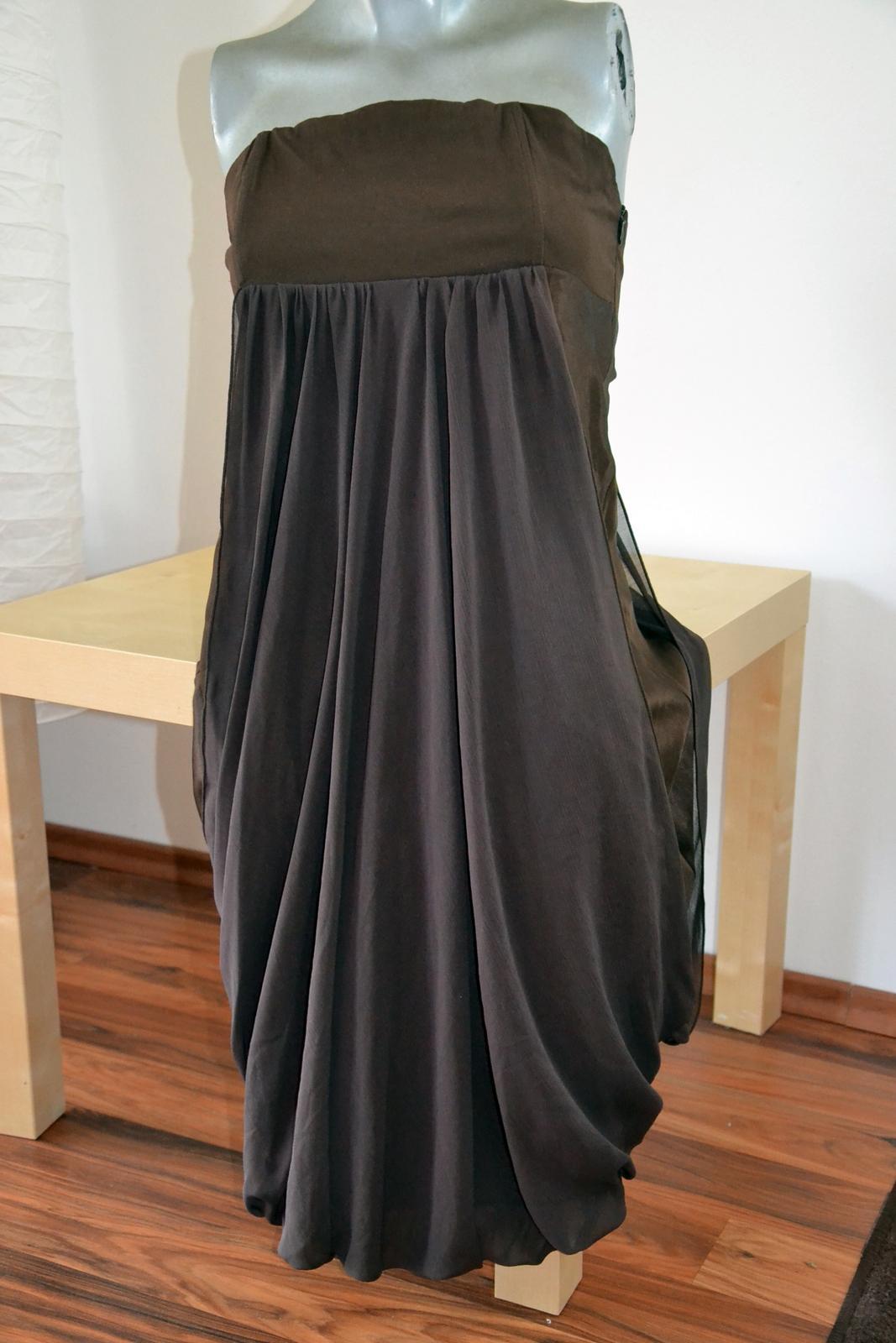 Hnědé večerní korzetové šaty fef304dd17