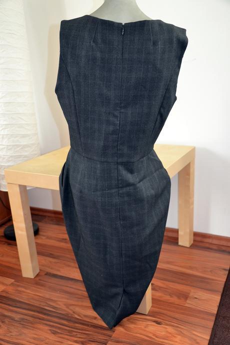 Pouzdrové společenské šaty Atmosphere, 40