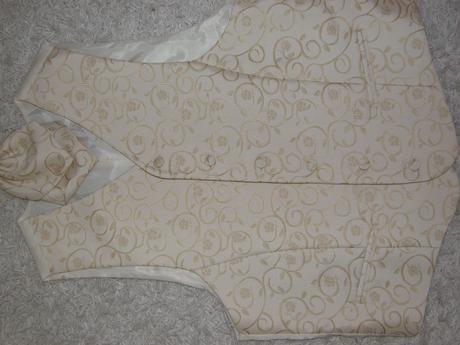 Svatební vesta s regatou Ivory , 48