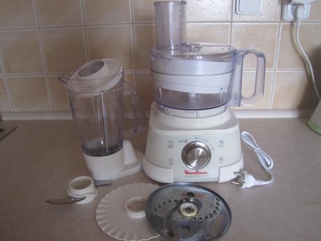 kuchyňský robot,