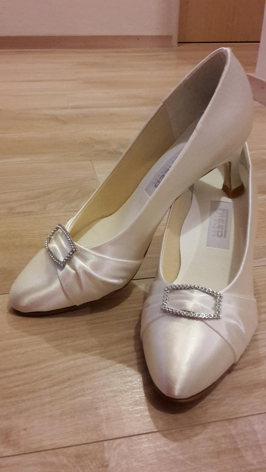 4bf7a5a5b7a5 Svadobné tanečné topánky
