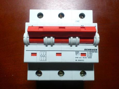 istič B100A /400V,