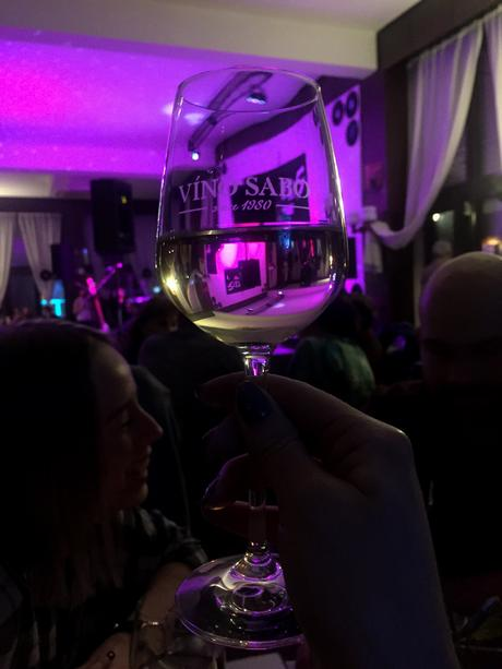 víno na svadobný stôl,