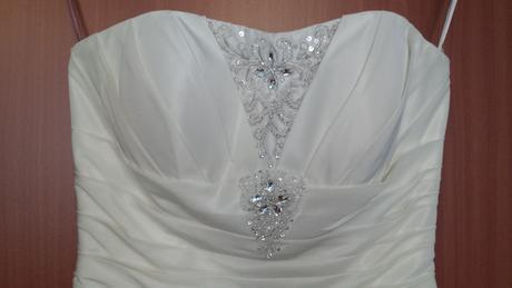 Saténové svatební šaty s vlečkou - champagne, 38
