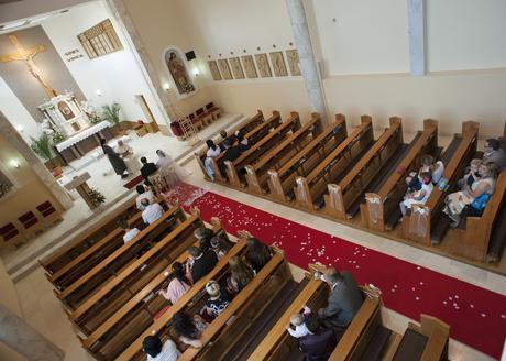 Červený svatební koberec,